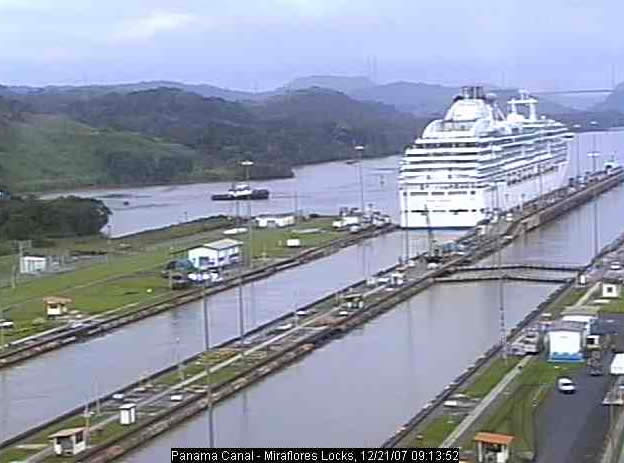 Miraflores Locks photo 3