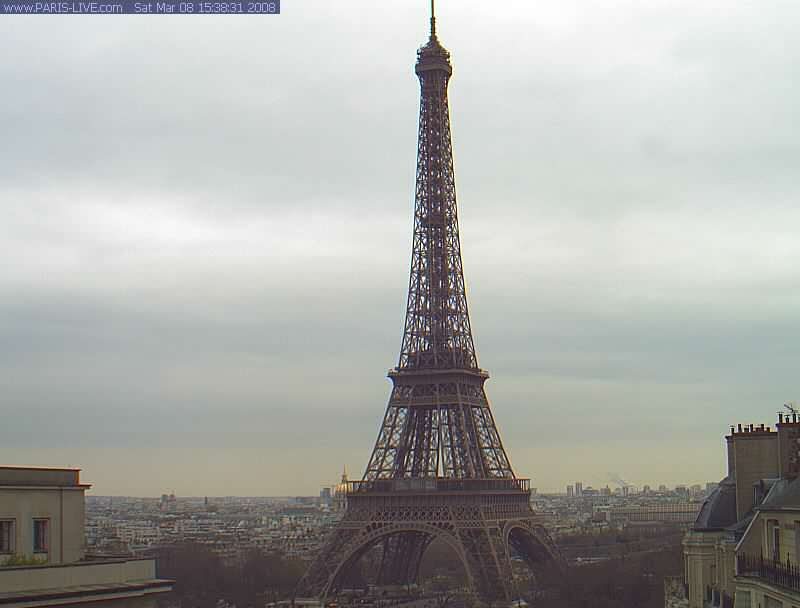 Eiffel tower photo 1