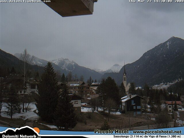 Sassolungo webcam photo 5