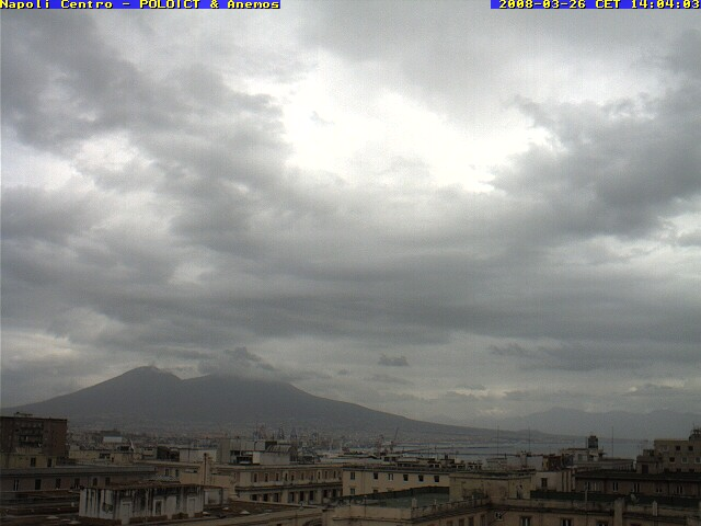 Naples centre photo 6
