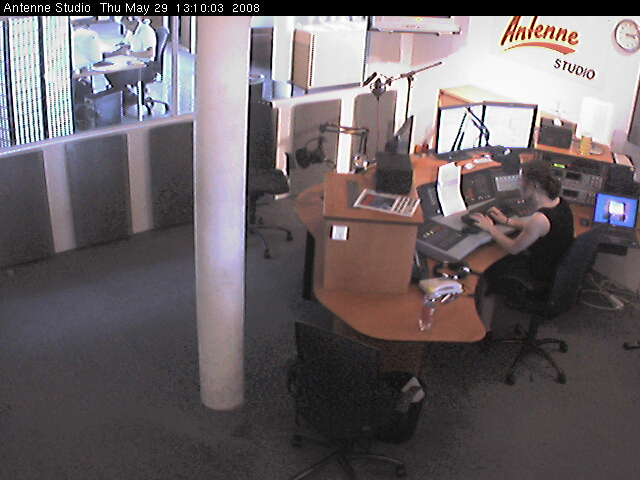 Antenne studio webcam photo 5