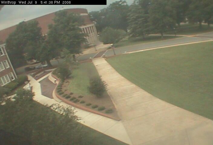 Winthrop University - Quad camera photo 5