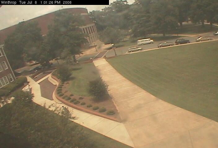 Winthrop University - Quad camera photo 1