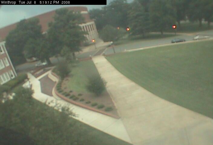 Winthrop University - Quad camera photo 4