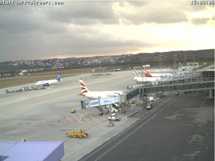 Flughafen Stuttgart Live photo 1