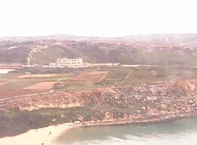 Golden Bay photo 2